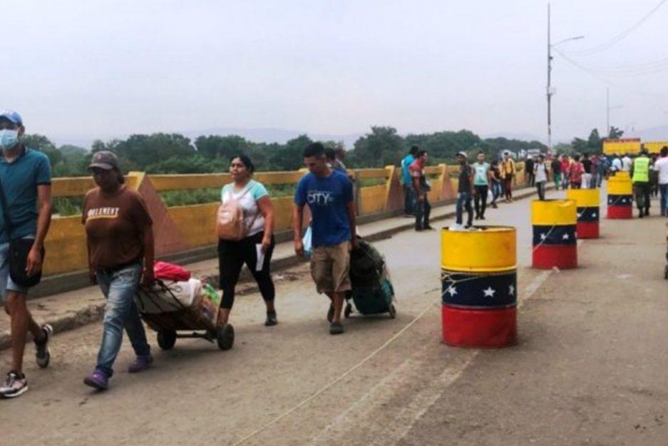 Venezuela mantendrá cerrada su frontera, pese a decisión de Colombia